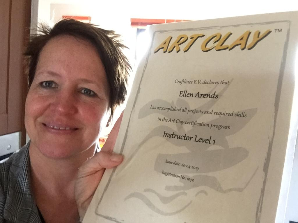 Ellen van Ela sieraad certificaat Zilverklei niveau 1