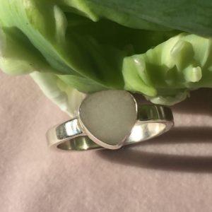 Hartvorm ring met moedermelk